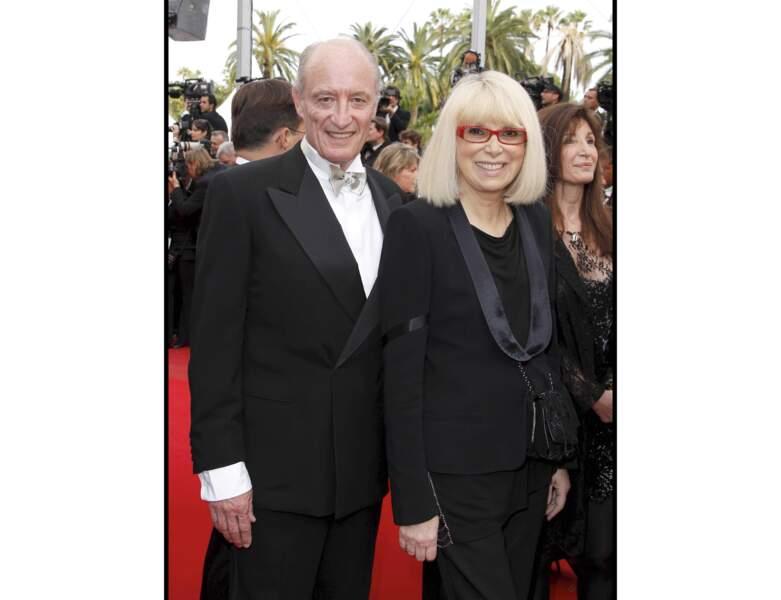 Mireille Darc et son mari au 63ème Festival de Cannes en 2010 : l'actrice a 72 ans