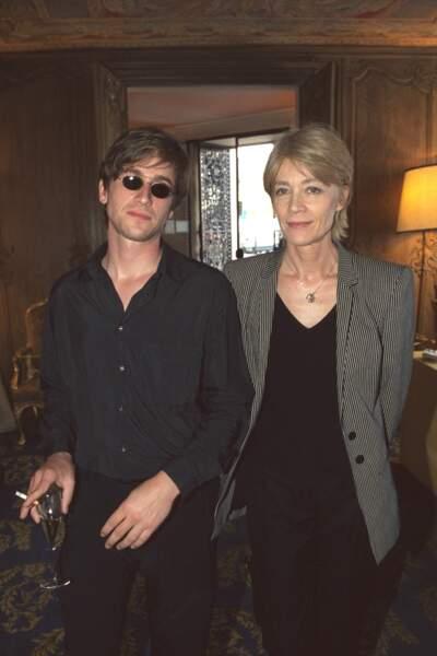 Françoise Hardy et son fils Thomas Dutronc en 2001.