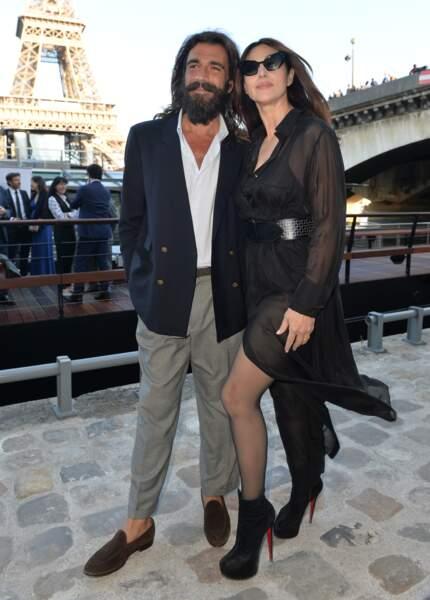 Monica Bellucci, amoureuse et sexy comme jamais !