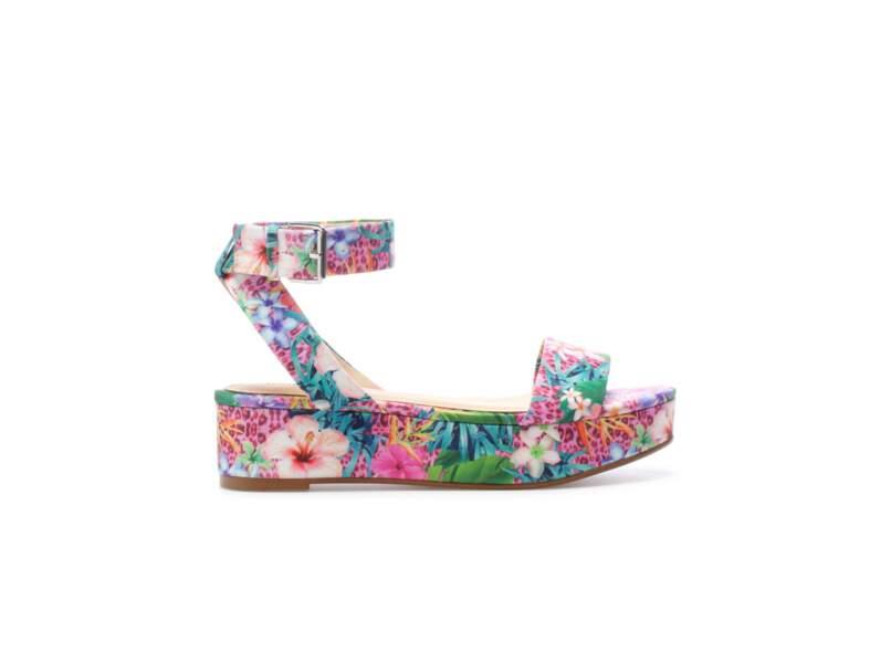 En talons : les sandales imprimé tropical