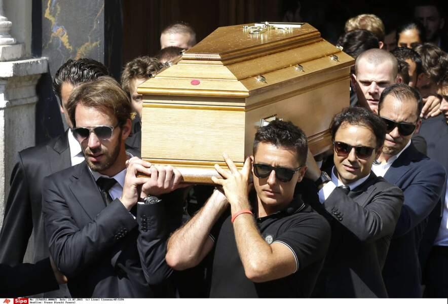 Felipe Massa, Jean-Eric Vergne et Romain Grosjean portent le cercueil de Jules Bianchi