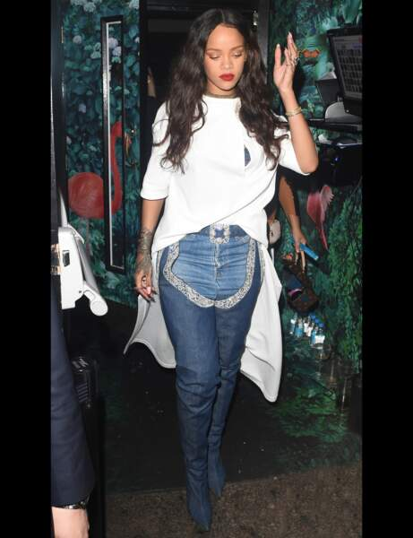 Rihanna et ses Manolo Blahnik
