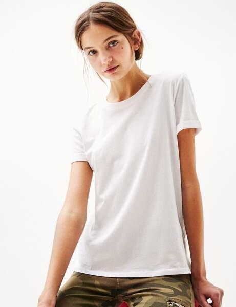 T-shirt blanc : manches retroussées