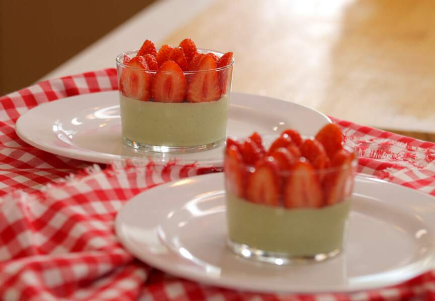 Panna cotta matcha-fraise