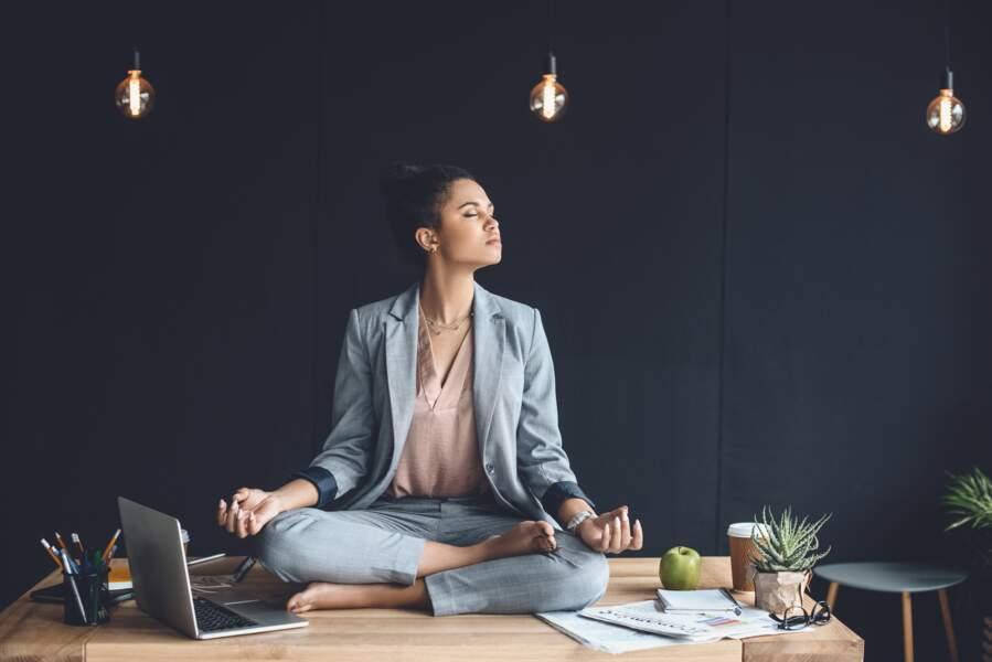 Faire des postures de yoga