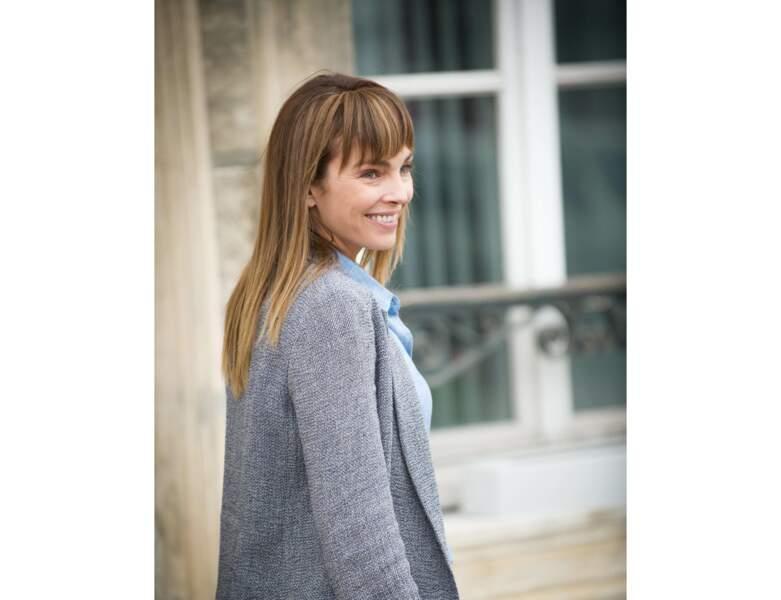 L'actrice aime aussi porter la frange