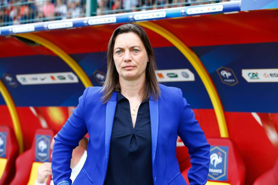 L'entraîneuse de l'équipe de France féminine : Corinne Diacre