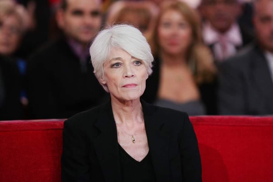 Françoise Hardy sur le plateau de l'émission Vivement Dimanche le 30 octobre 2012.