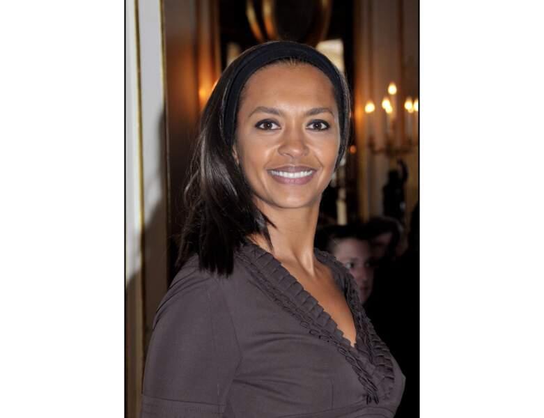 En 2008, l'année de ses 40 ans, elle apparait avec une chevelure très lisse et un bandeau