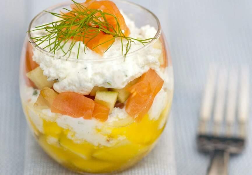 Verrines de saumon aux fruits et fromage frais