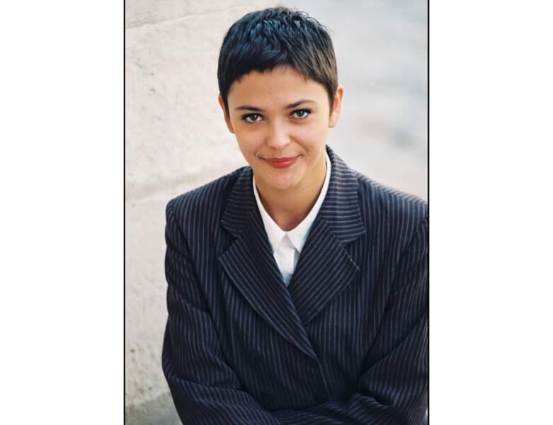 """Sandrine Quétier en 1998 : elle a 28 ans et présente """"Mes piégeurs"""" sur M6"""