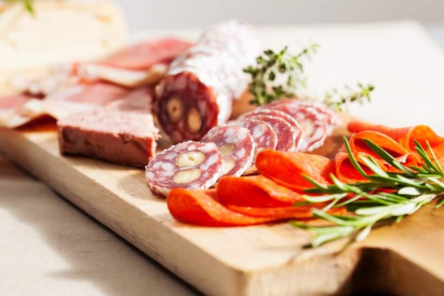 Les charcuteries et la viande crue