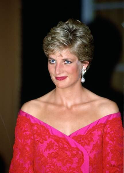 Les boucles d'oreilles diamants de Lady Diana