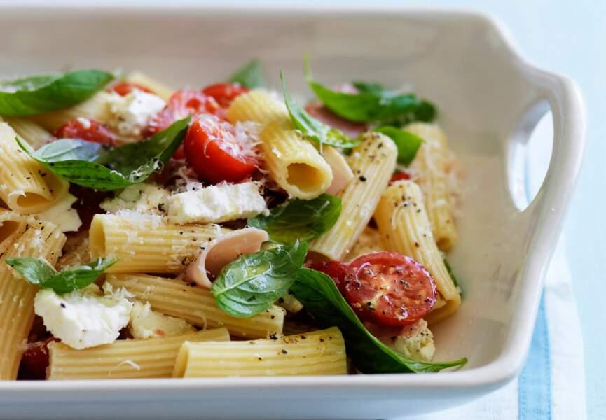 Salade de penne au jambon blanc et basilic