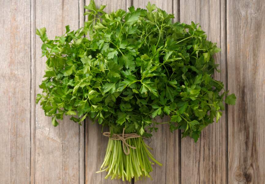 Aliment vert : le persil plat, contre les gaz
