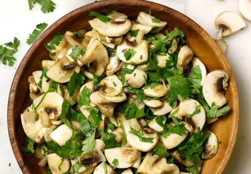 Salade de champignons citronnée à la coriandre