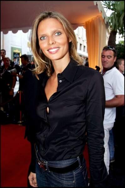 En 2006 son style de jeune fille évolue vers un look plus mature