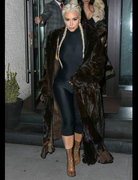 Les bottines transparentes de Kim Kardashian