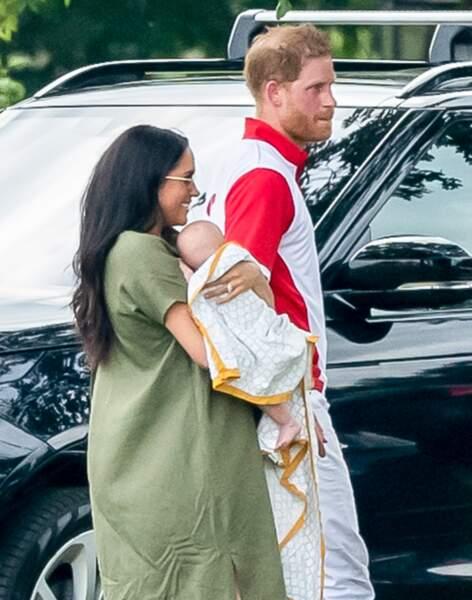 Le bébé n'a pas été présenté à la sortie de la maternité mais au château de Windsor.