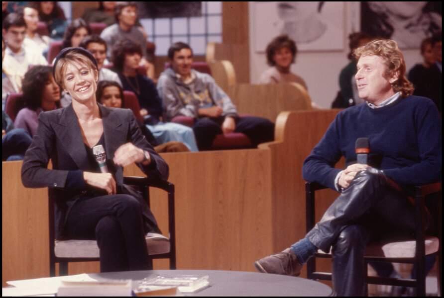 """Françoise Hardy et Daniel Cohn Bendit sur le plateau de l'émission """"A la folie pas du tout"""" en 1986."""
