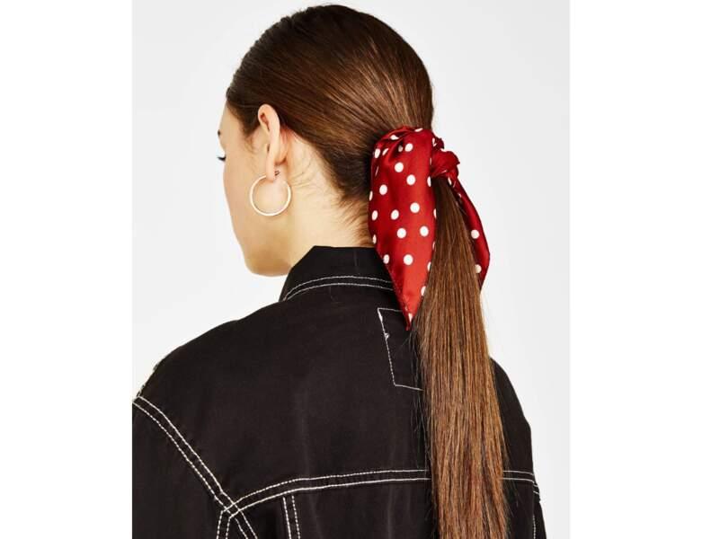 Autre version : avec un foulard rouge