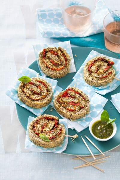 Roll cakes aux tomates séchées et pesto
