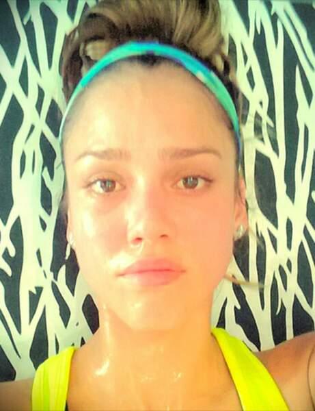 Jessica Alba, après une séance intensive d'abdos-fessiers