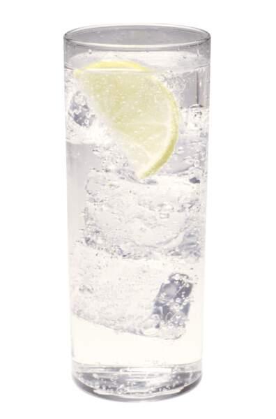 Au régime, il faut éviter de boire de l'eau gazeuse