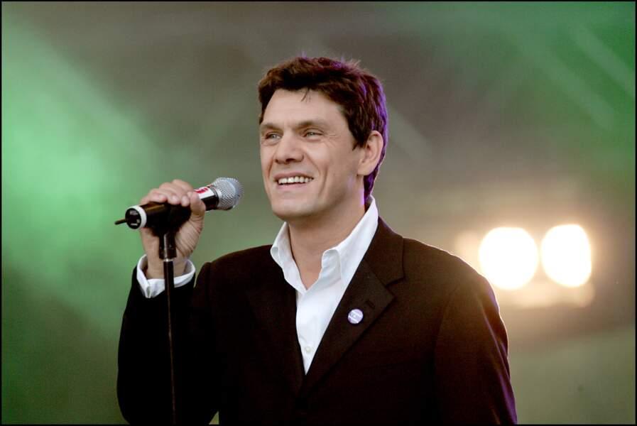 Marc Lavoine lors du concert NRJ 12 pour soutenir la candidature de Paris pour le JO 2012 en juin 2005.