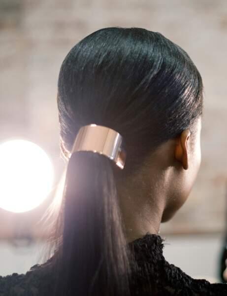 La ponytail accessoirisée