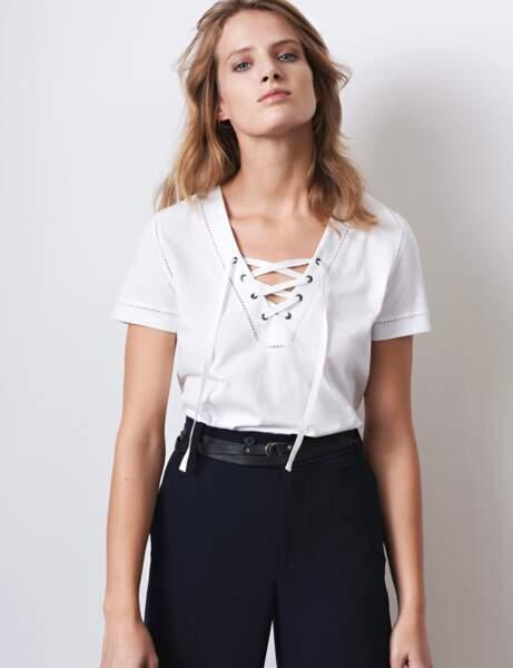 T-shirt blanc : à lacet
