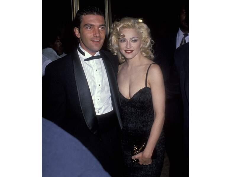 Antonio Banderas pose avec Madonna à Beverly Hills en 1991 (31 ans)