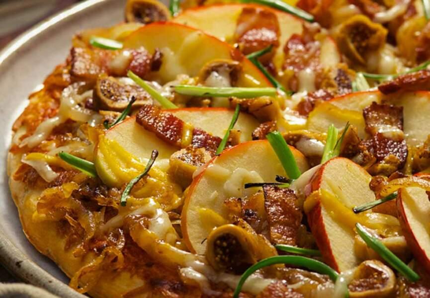 Pizza à la pomme Jazz, bacon et figues