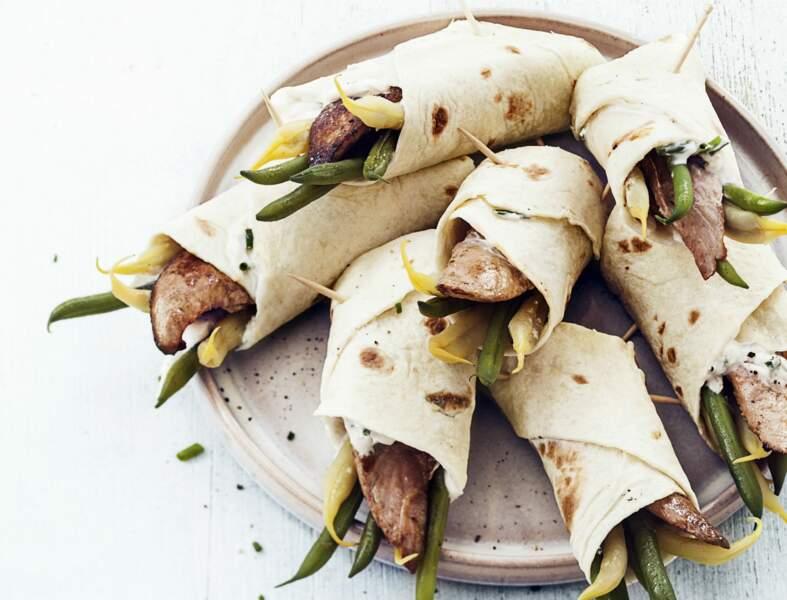 Wraps aux aiguillettes de canard et haricots