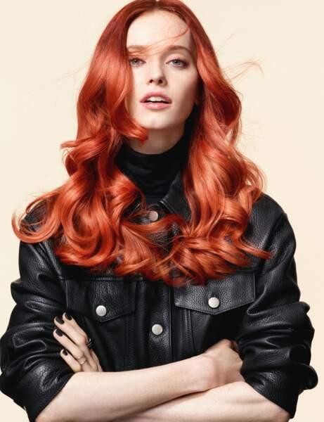 Les cheveux roux orangé