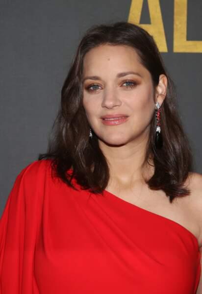 Un maquillage classique pour l'actrice qui adore les tons nude
