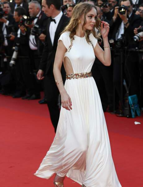 Lily-rose Depp en robe blanche Chanel