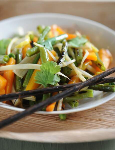 Wok de légumes au curcuma et lait de coco