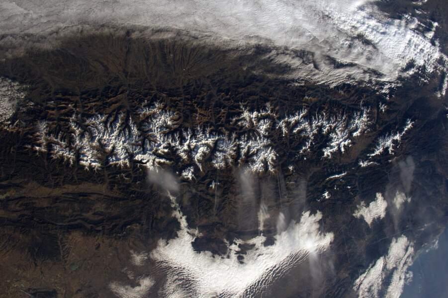Mi-avril, il restait encore un peu de neige sur les cimes des Pyrénées