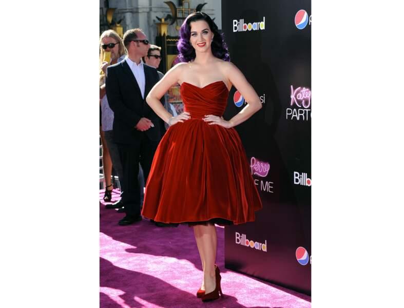 La robe bustier rétro de Katy Perry