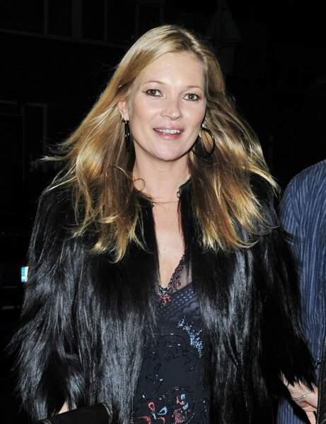 Mes pommettes sont saillantes, j'adopte la coupe mi-longue de Kate Moss