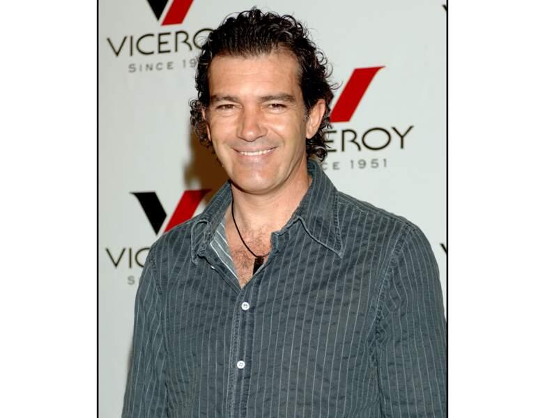 En 2006, il opte pour les cheveux gominés : il a 46 ans
