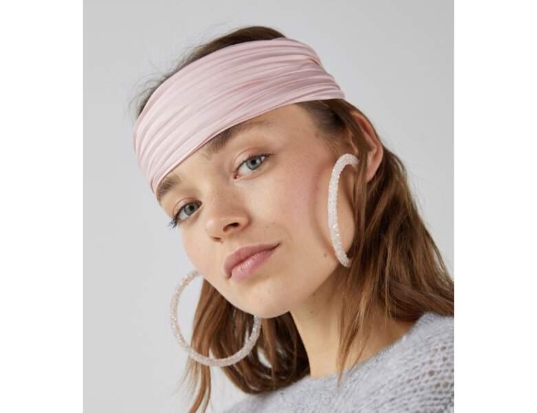 Le bandana rose pâle