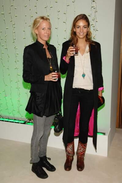 Rose Hanbury et Sophia Hesketh à l'exposition David Hockney à la National Portrait Gallery le 11 octobre 2006.