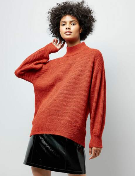 Col montant : le pull XXL