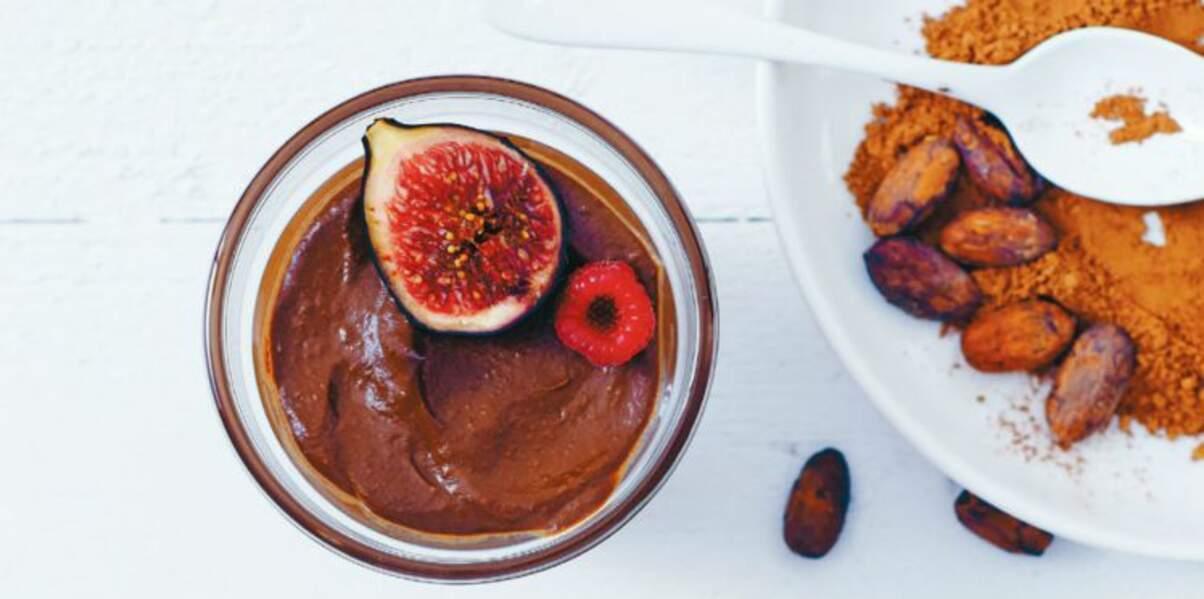 Crémeux au chocolat cru, figue et framboises