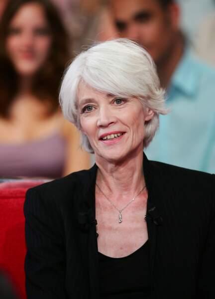 Françoise Hardy sur le plateau de l'émission Vivement Dimanche le 22 mai 2007.