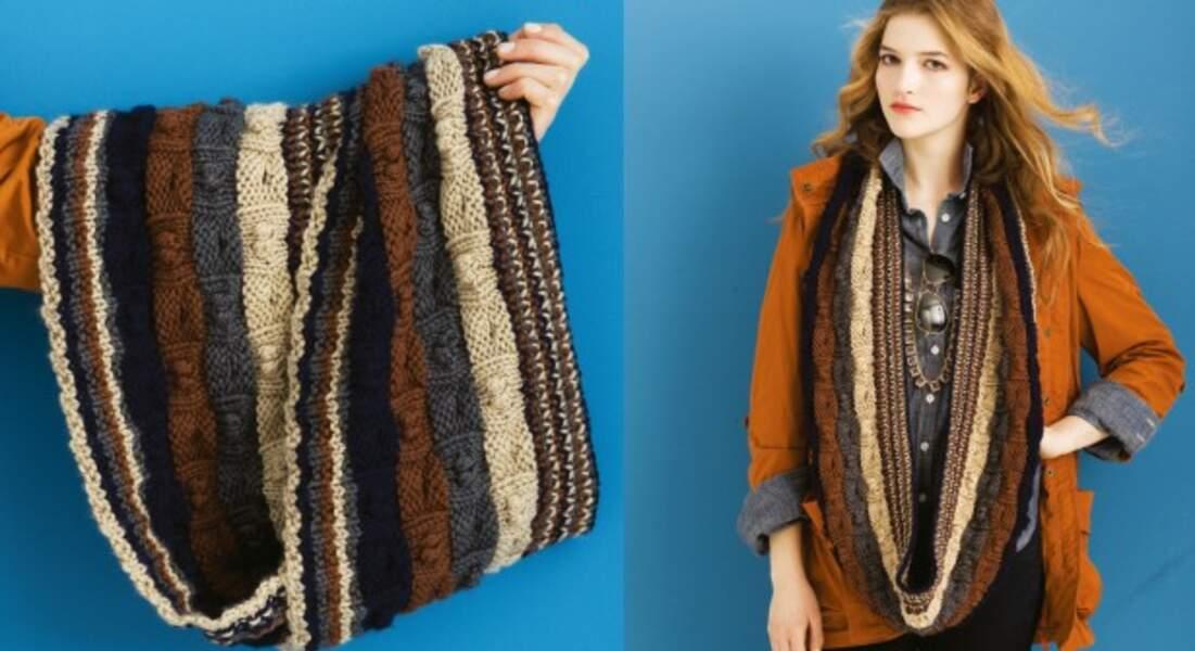 Un snood en tricot