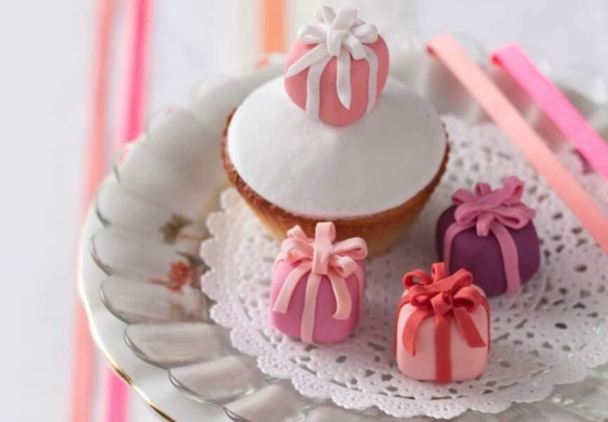 Des cadeaux en pâte à sucre