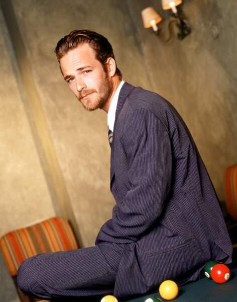 Luke Perry lors d'une séance photo en 1998.